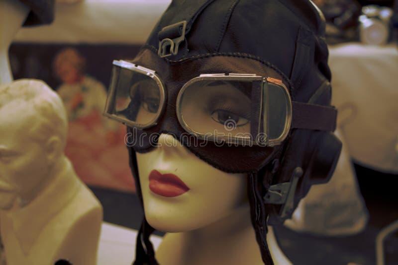 Retro Aviator Goggles σχετικά με το Mannequin στοκ φωτογραφίες με δικαίωμα ελεύθερης χρήσης