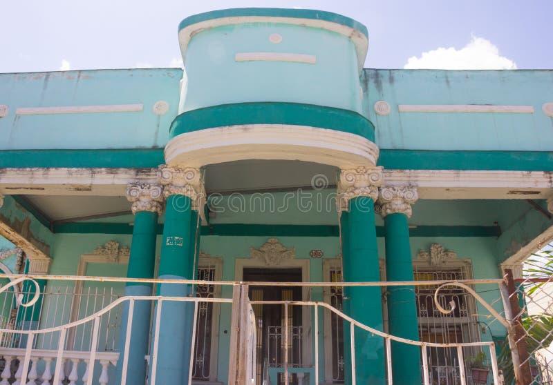 Retro błękitna willa w Kuba obraz royalty free