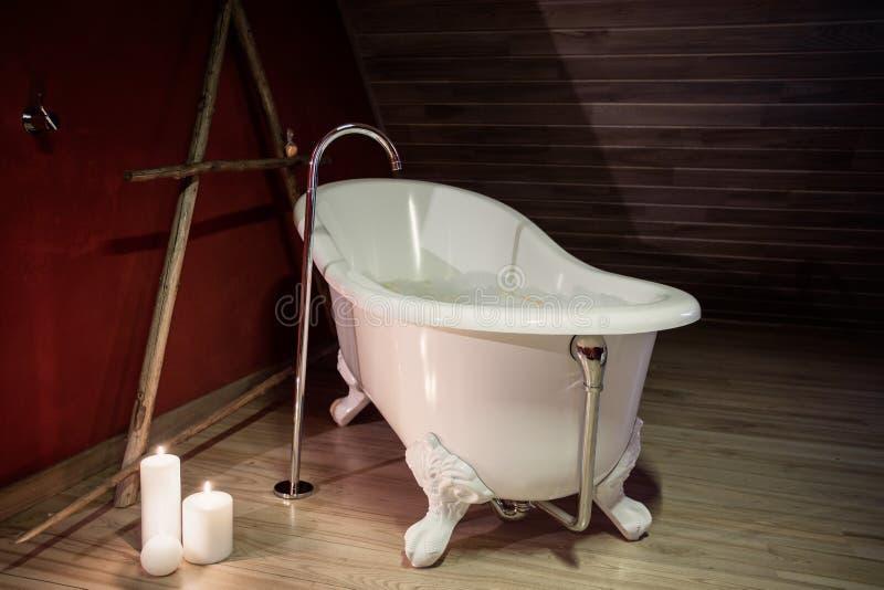 Retro Bad retro bad stockfoto bild möbel badewanne wohnung 55479754