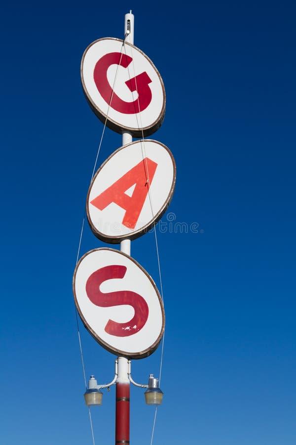 Retro benzynowej staci znak zdjęcia stock
