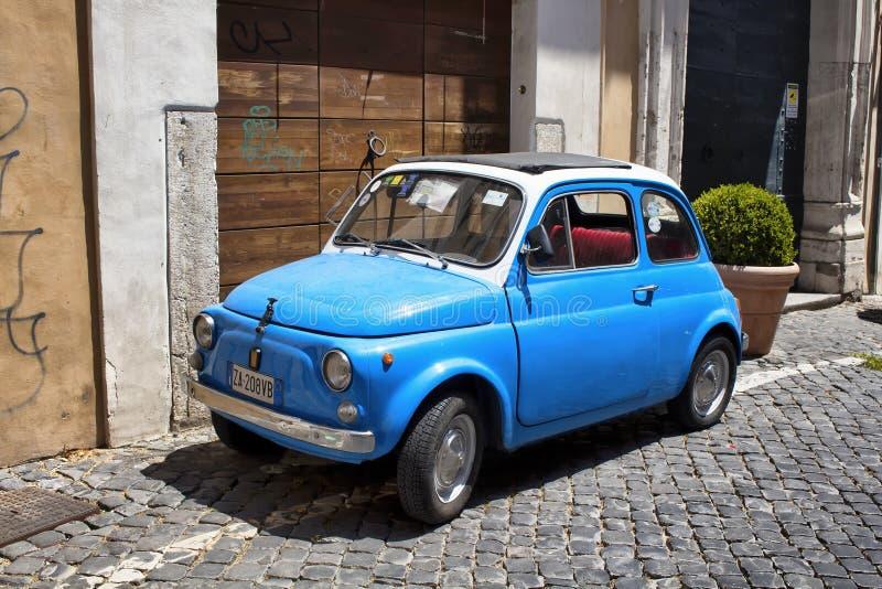 Retro, blu, poco, vecchia automobile immagini stock