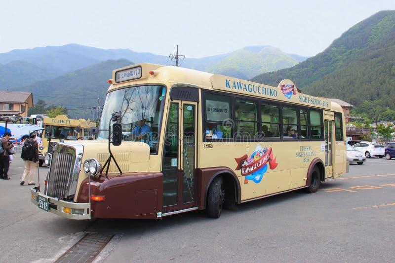 Retro bus di Kawaguchiko immagini stock libere da diritti