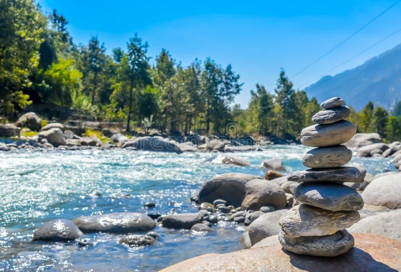 Retro composizione tranquilla del tipo di zen ed in benessere in concetto, in ispirazione, della stazione termale di benessere e  immagine stock