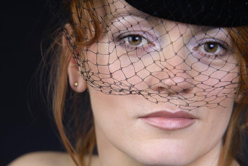 Retro dame met weil royalty-vrije stock fotografie