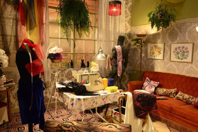 Retro- Damenschneiderin Atelier, altmodischer Raum, Corny Home, Weinlese-Innenraum lizenzfreies stockfoto