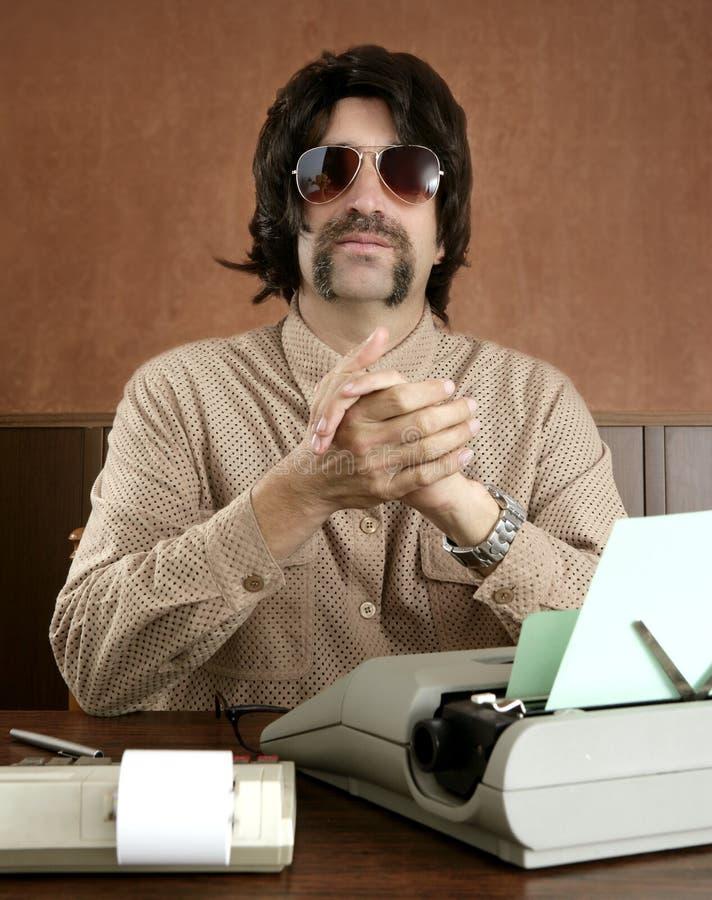 Retro de zakenman uitstekend bureau van de snor stock afbeeldingen