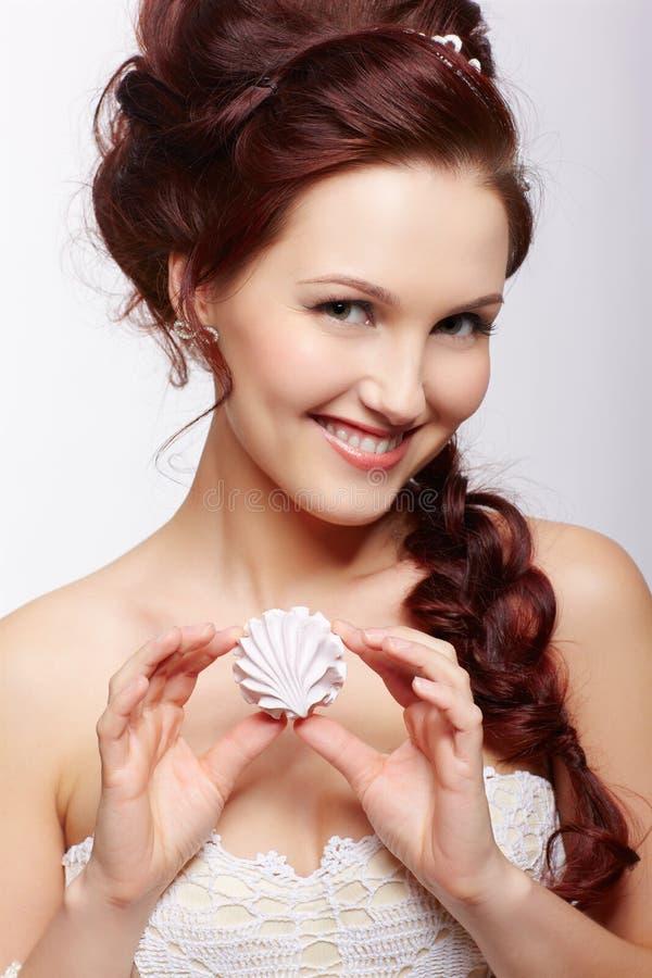 Retro dziewczyna z marshmallow zdjęcie royalty free