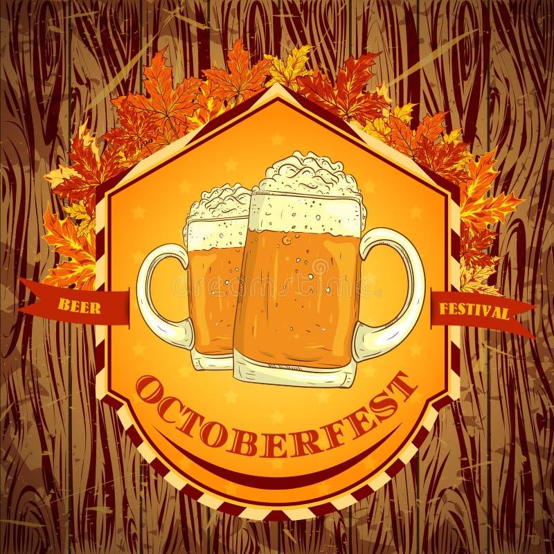 Retro emblema disegnato con i vetri di birra, delle foglie di autunno e del festival Oktoberfest della birra del testo su fondo d illustrazione di stock