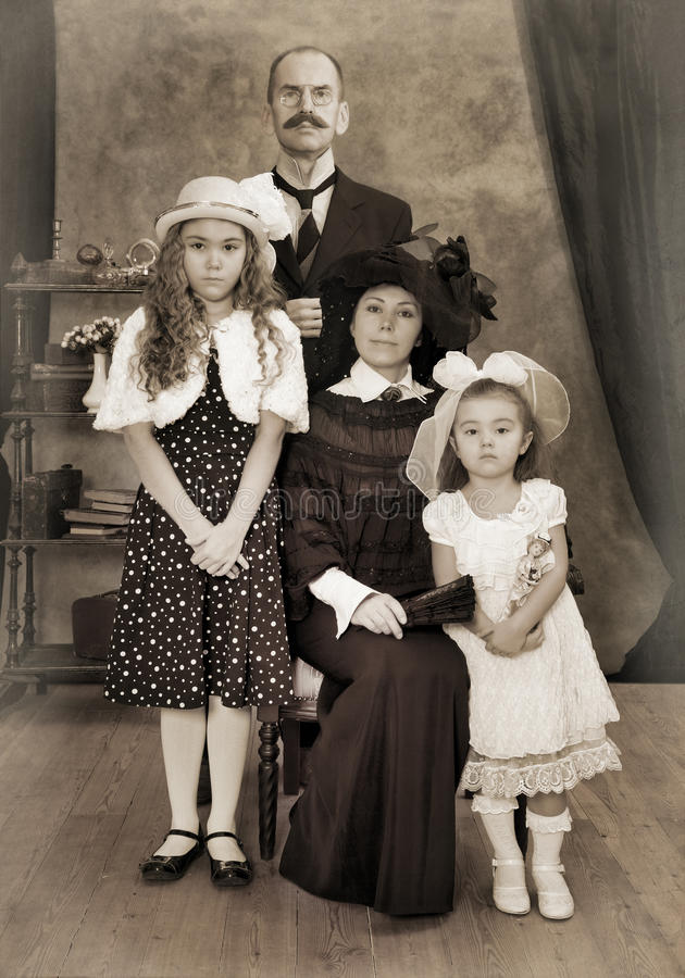 Retro familieportret royalty-vrije stock foto's