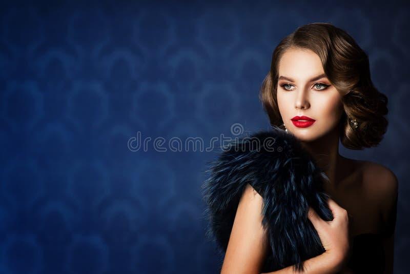 Retro Fashion Model Piękno Portret, Stara Fashion Kobieta Makijaż Fryzura zdjęcie royalty free