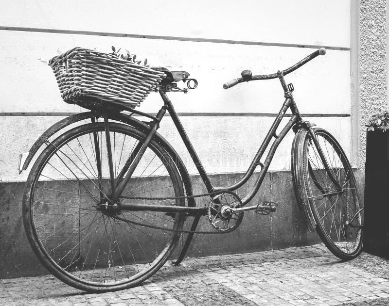 Retro fiets royalty-vrije stock afbeeldingen