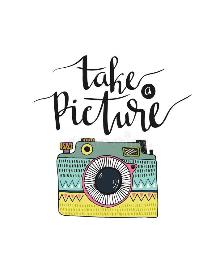 Retro fotocamera met het modieuze van letters voorzien - neem een beeld Vector hand getrokken illustratie stock illustratie