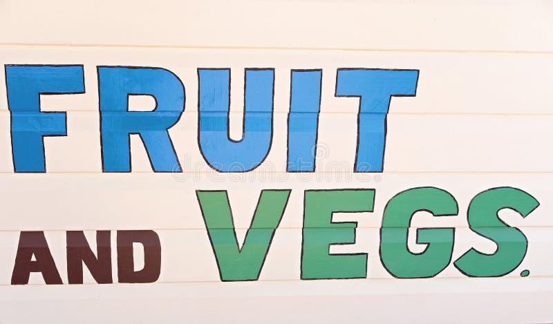 Retro frutta e segno di Veg fotografia stock
