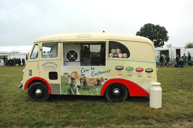 Retro furgone del gelato fotografia stock