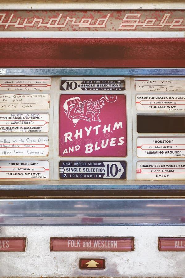 Retro gestileerd beeld van een oude juke-box stock afbeelding