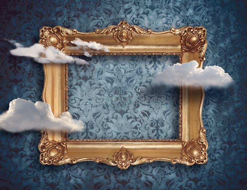 Retro guld- ram och moln Overklig begreppsdigitalart royaltyfria foton
