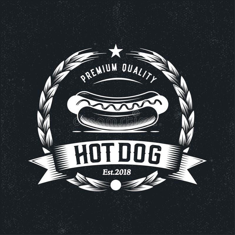 Retro Hotdogembleem, de illustratie van het Snel voedselkenteken, Vector uitstekend embleem, rustieke moderne stijl royalty-vrije illustratie