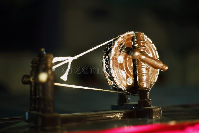 Retro Indian Charkha-voorraadafbeeldingen Antique Spinning Wheel Stock Images royalty-vrije stock afbeeldingen