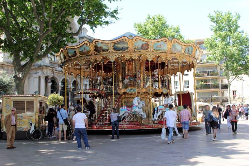 Retro karusell i Avignon, Frankrike arkivbilder