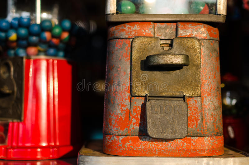 Retro- Kaugummimaschine stockfoto