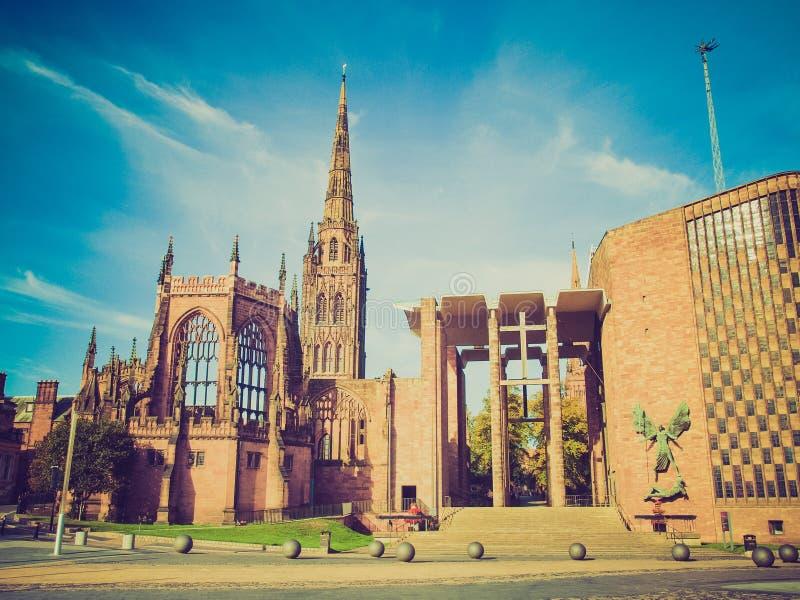 Retro kijk de Kathedraal van Coventry stock afbeeldingen