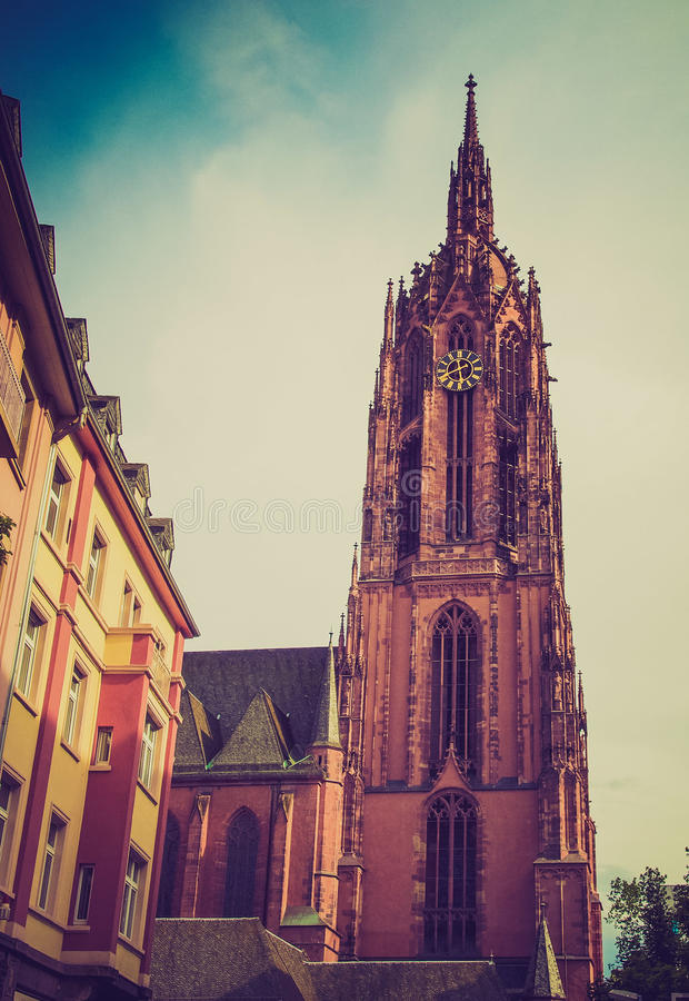 Retro kijk de Kathedraal van Frankfurt stock foto