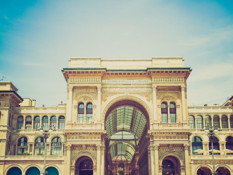 Retro kijk Galleria Vittorio Emanuele II, Milaan stock afbeeldingen