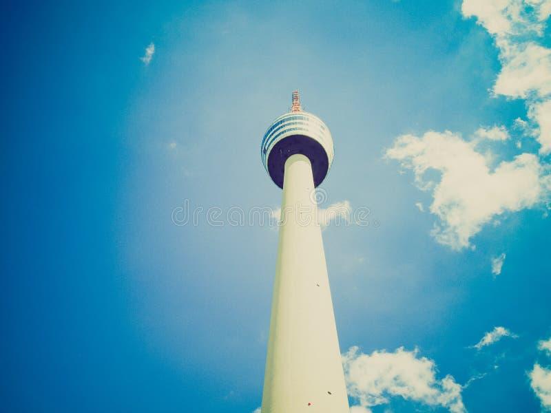 Retro kijk TV-toren in Stuttgart stock afbeeldingen