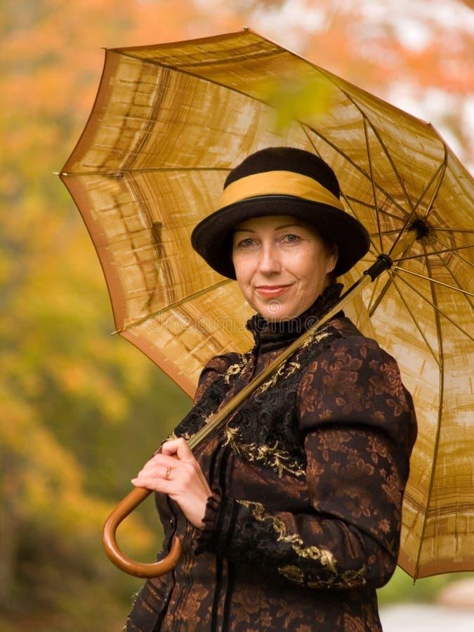 retro kvinna för stående arkivfoto