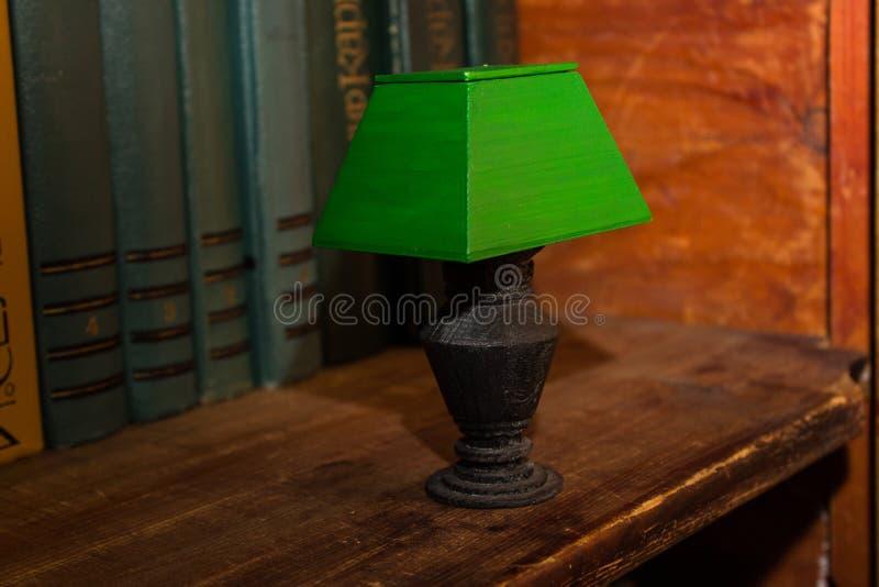 Retro lampada verde fotografie stock libere da diritti