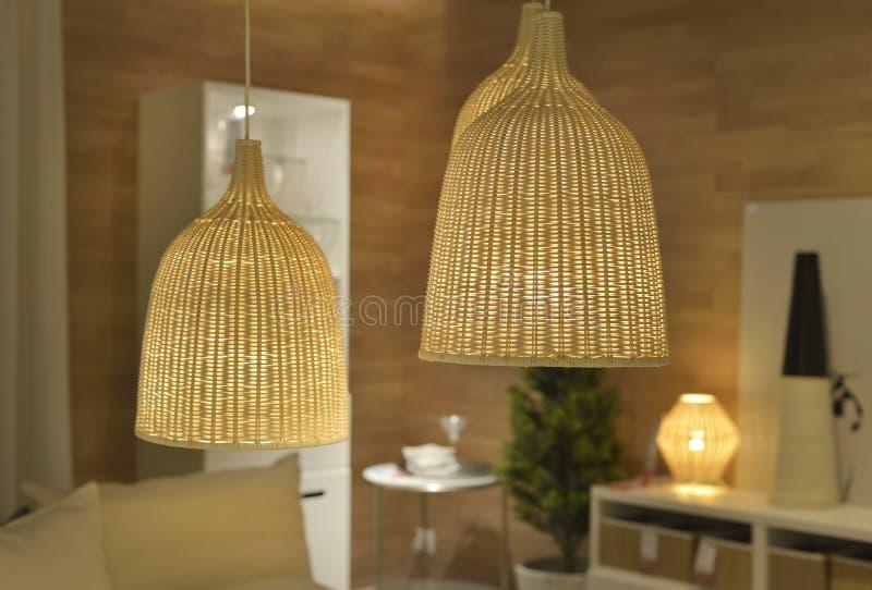 Retro Lampen In Een Eetkamer Stock Afbeelding - Afbeelding bestaande ...