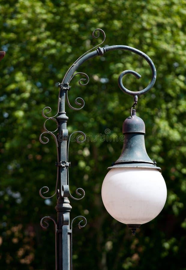 Retro lamppost/straatlantaarn royalty-vrije stock afbeelding