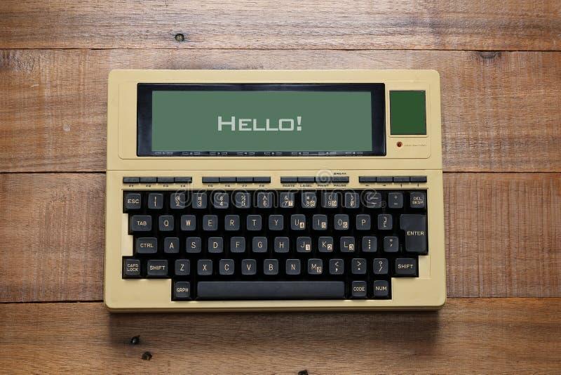 Retro- Laptop-Computer lizenzfreies stockfoto