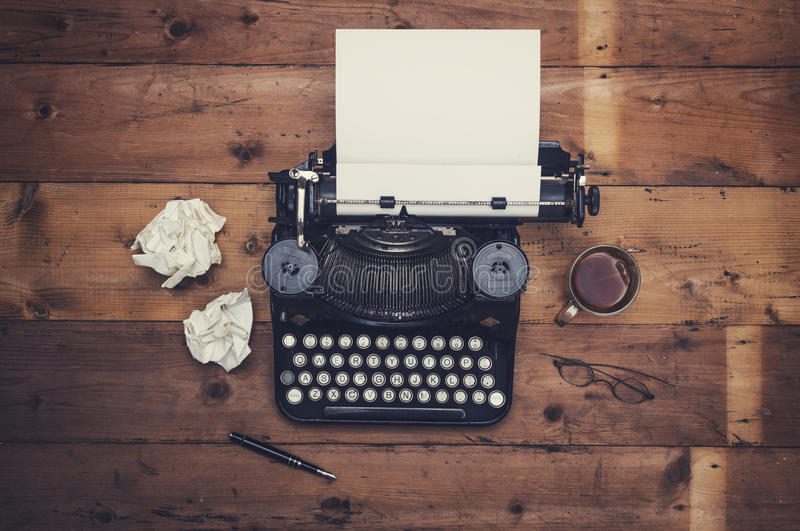 Retro maszyna do pisania biurko fotografia stock