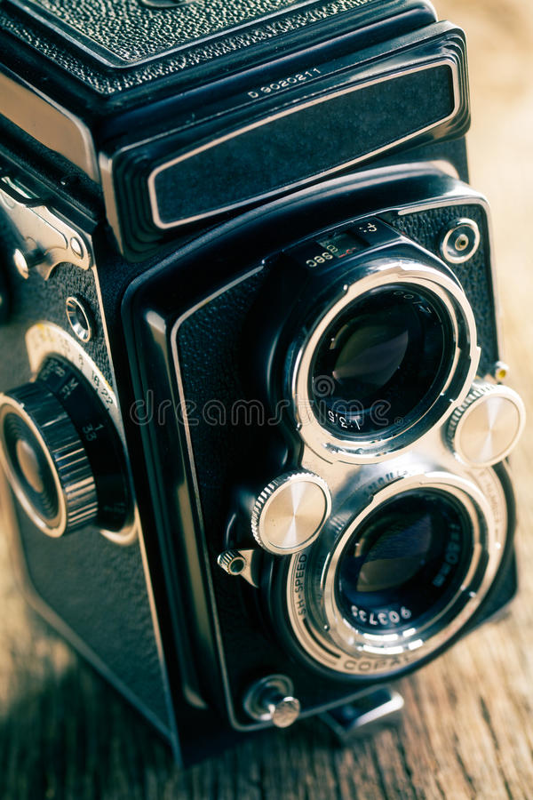 Free Retro Middle-format Camera Stock Photos - 30729773
