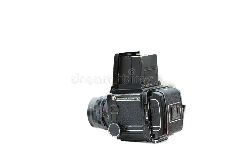 Retro- mittlere Formatkamera mit weißem Hintergrund stockfoto