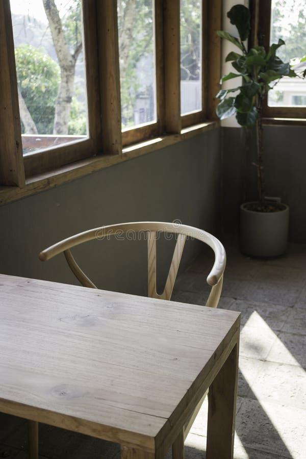 Retro mobilia d'annata di stile nell'interno del salone fotografia stock