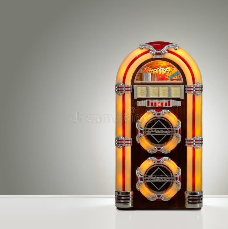 Retro- Musikautomat lizenzfreie stockfotografie