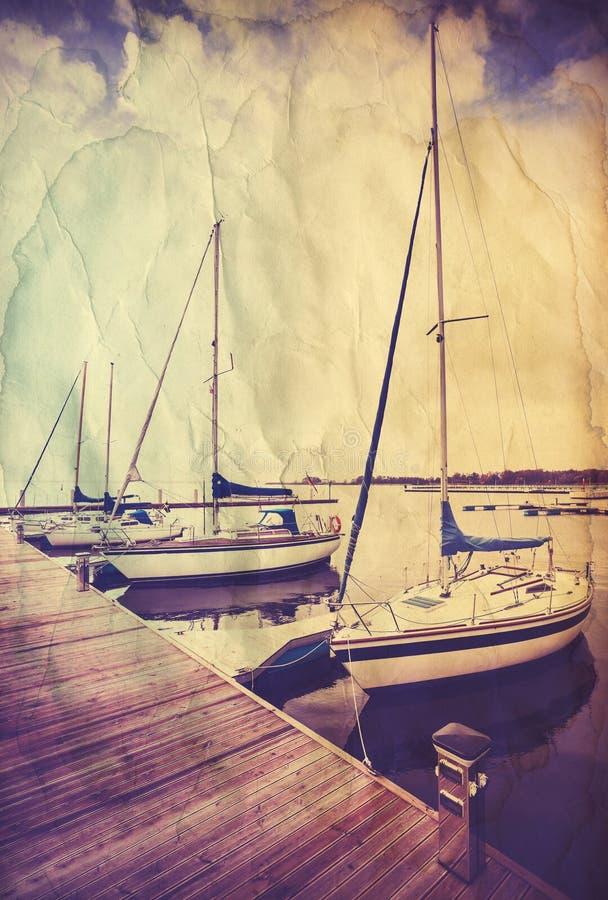Retro oude document prentbriefkaar met varende boten royalty-vrije stock afbeelding