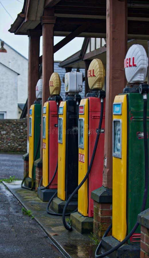 Retro pompe del combustibile fotografie stock