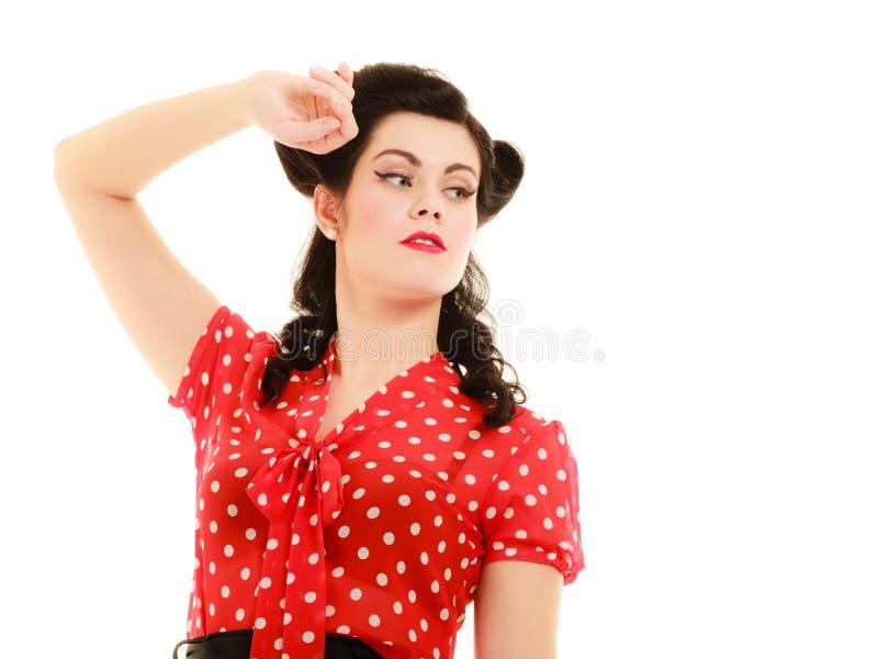 retro Porträt des Frauenmädchens mit Pinupfrisur stockfoto