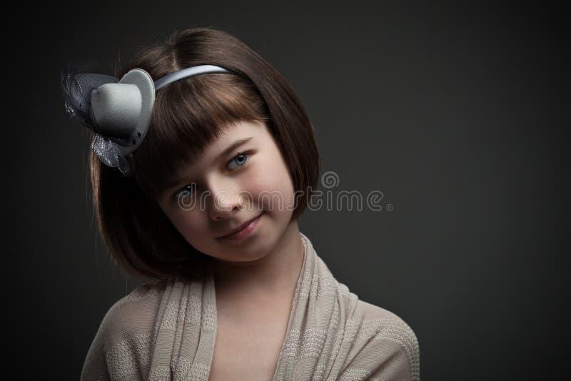 Retro portret van elegant meisje royalty-vrije stock afbeelding