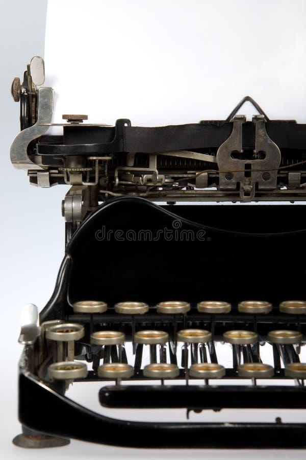Retro primo piano antico della macchina da scrivere fotografia stock libera da diritti