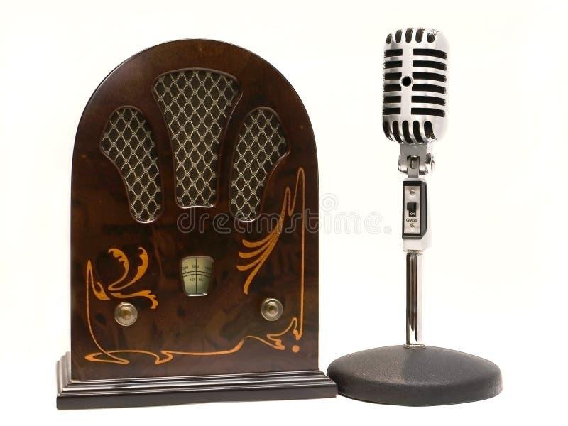 Retro radio e microfono fotografia stock