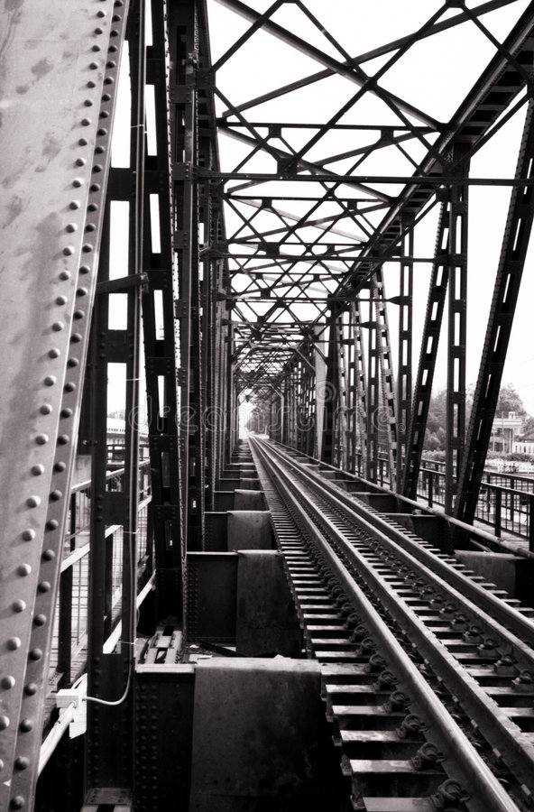Free Retro Railway Bridge Royalty Free Stock Image - 1124566