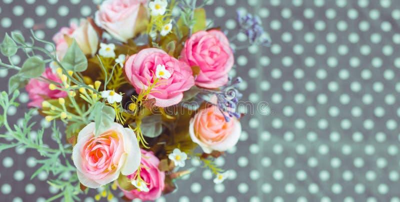 Download Retro - Ramo Del Vintage De Flores Coloridas Foto de archivo - Imagen de amor, manojo: 42443612