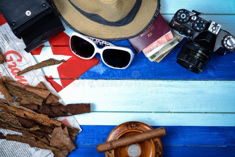 Retro reisthema in de stijl van Cuba stock afbeeldingen