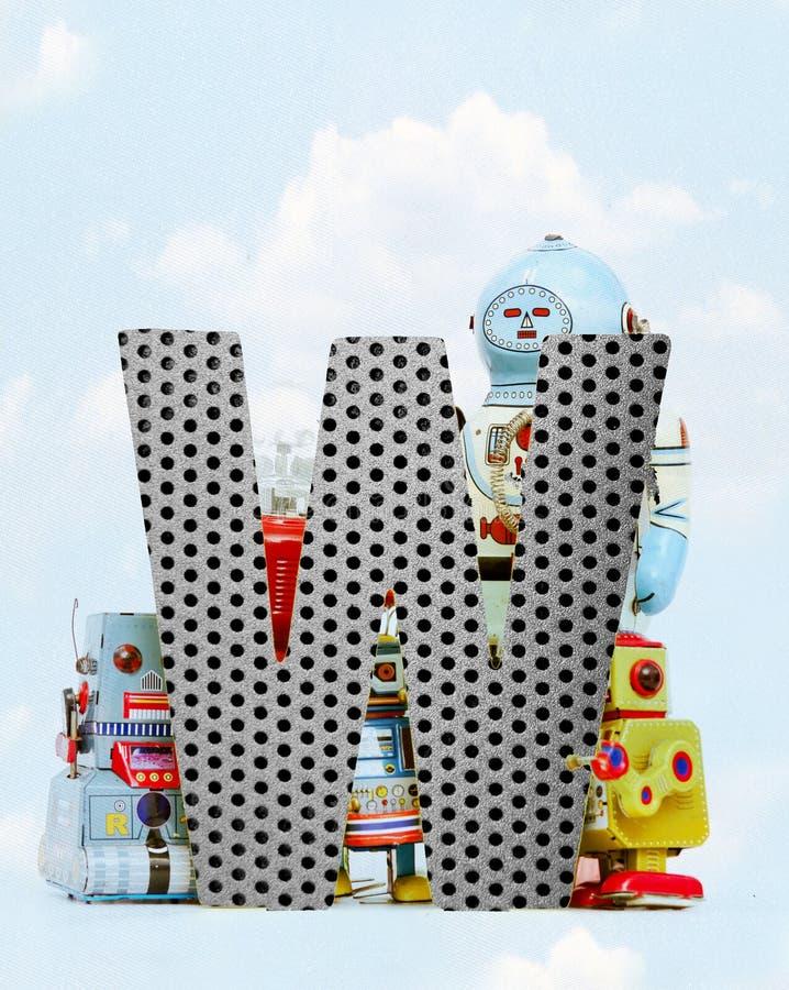 Retro robots die een grote metaalbrief W met blauwe hemel houden royalty-vrije illustratie