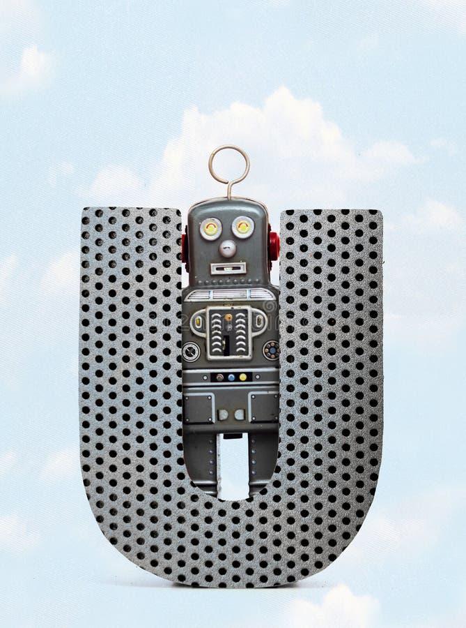 Retro robots die groot U van de metaalbrief met blauwe hemel houden vector illustratie