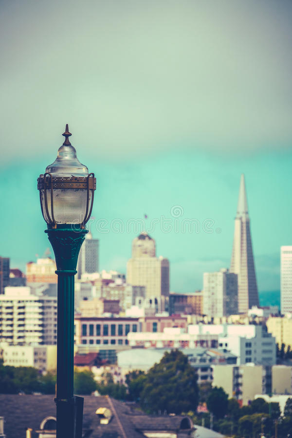 Retro- San Francisco Skyline lizenzfreie stockfotografie
